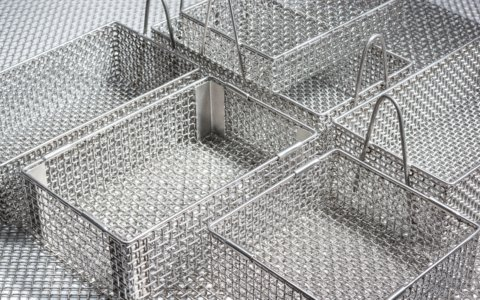 Heat-resistant baskets for hardening